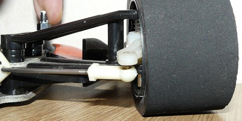 Tamiya F-102 front suspension